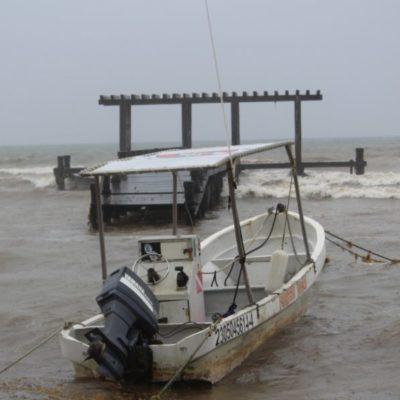 """Cierran puerto en Solidaridad por efectos de la Depresión Tropical """"Catorce"""" en aguas del Mar Caribe"""
