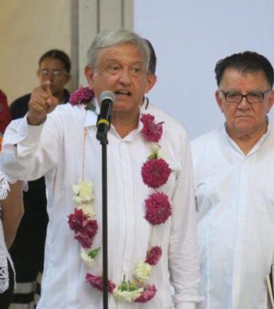 """""""NO LES VOY A FALLAR, NO ME VOY A MAREAR"""": En un mitín con vallas, AMLO agradece a los cancunenses el voto a favor de Morena"""