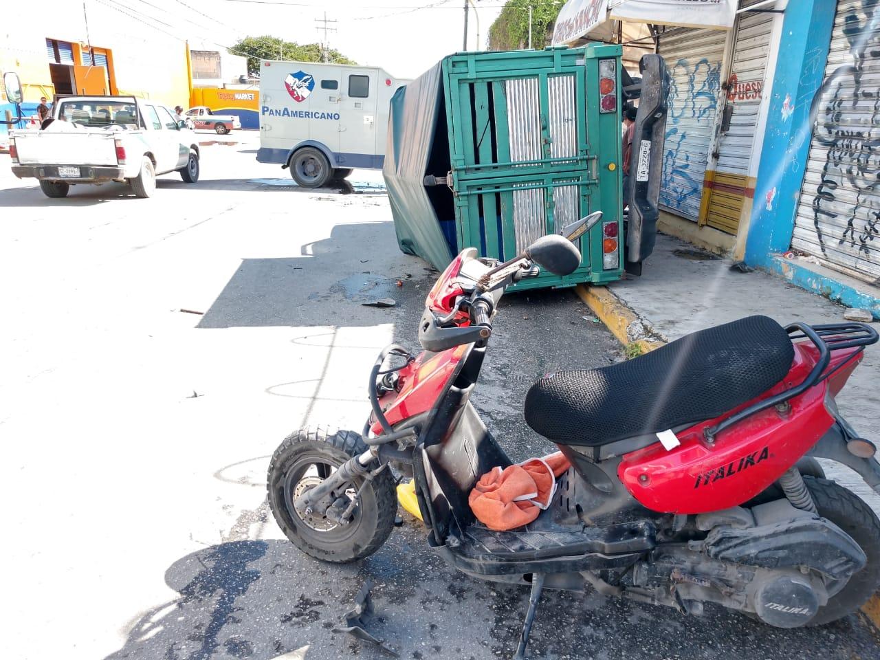 Dos lesionados deja aparatoso accidente provocado por camión blindado en las avenidas Talleres y CTM de Cancún
