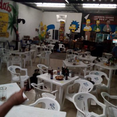 SIGUE LA SANGRÍA EN CANCÚN: Ataque a balazos en marisquería 'El Gordo' deja tres muertos y un herido en la Talleres; otro ejecutado en Puerto Morelos