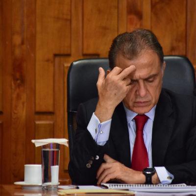 Advierte Yunes a Cuitláhuac que no dejará dinero para pagar quincenas de diciembre ni aguinaldos