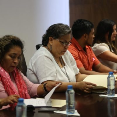 Integrantes de la Comisión de Desarrollo Familiar y Grupos Vulnerables anuncian acciones para atender a los adultos mayores, en Cozumel