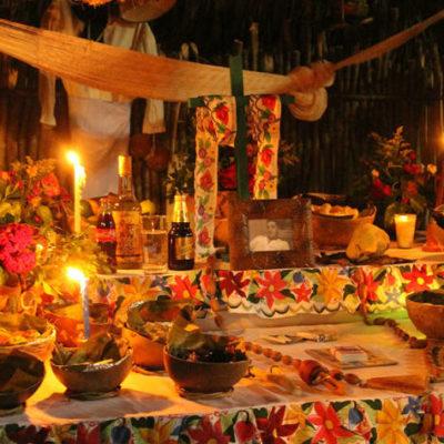 Preparan celebración de Hanal Pixán en Tres Reyes, donde extranjeros podrán conocer las tradiciones de la cultura maya