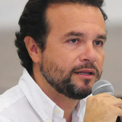 POLÉMICA EN COZUMEL POR DEUDA: A 15 días de asumir como Alcalde, va Pedro Joaquín Delbouis por refinanciamiento de créditos bancarios de largo plazo… y levanta ámpula; se lograría ahorro de casi 90 mdp, dice comuna