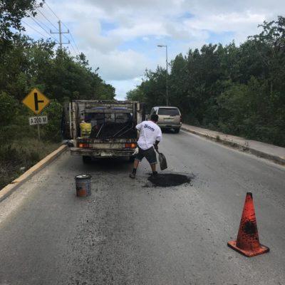 Bachea Tránsito municipal camino a Punta Sam en la zona continental de Isla Mujeres