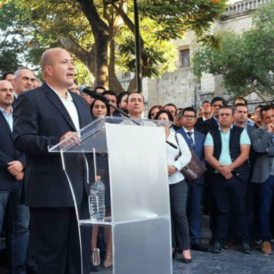 Discrepa Enrique Alfaro de AMLO por presupuesto, superdelegados y el perdón a corruptos