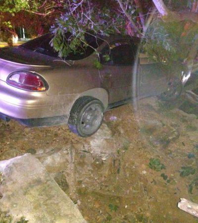 Hallan un auto entre los manglares en Chetumal