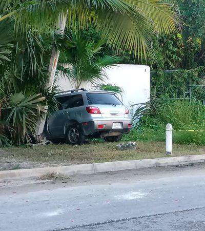 Choque tira cables eléctricos sobre carretera Playa-Puerto Morelos