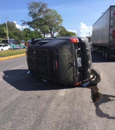 OCTAGENARIO, PERO 'RÁPIDO Y FURIOSO': Anciano choca y hace volcar camioneta en Chetumal