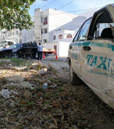 Dos personas heridas por un taxi que terminó dentro de un parque en Playa