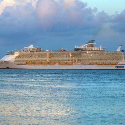 Atraca en Cozumel crucero más grande del mundo