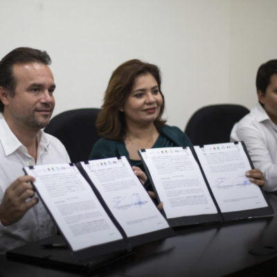 Con la firma convenio de colaboración del Seguro Popular, Pedro Joaquín fortalece cobertura de salud en Cozumel