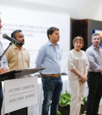 Pedro Joaquín entrega becas a 207 estudiantes de Cozumel
