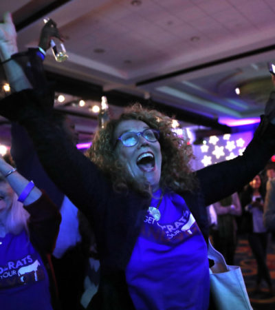 TROPIEZA TRUMP: Votantes devuelven a demócratas control de la Cámara de Representantes
