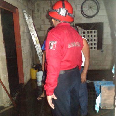 Corto circuito incendia casa en Carrillo Puerto
