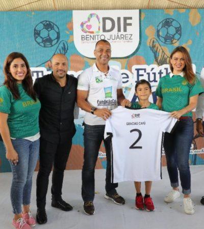 El ex futbolista brasileño 'Cafú' inaugura en Cancún el torneo de fútbol 'De la calle a la vida DIF 2018-2019'