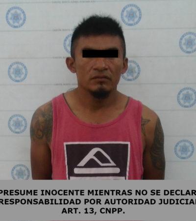 Detienen a una persona con droga y recuperan motocicleta con reporte de robo en Cancún