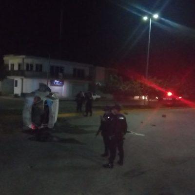 Aseguran en Solidaridad a dos policías por presunto robo
