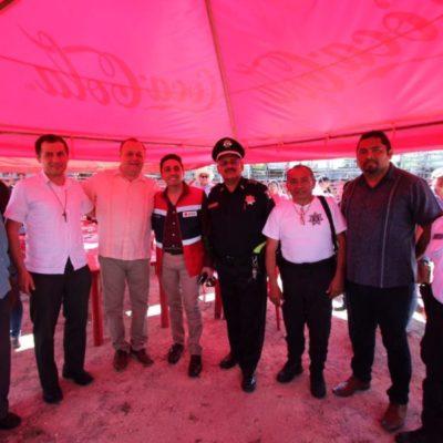 Asiste José Esquivel a la tradicional fiesta de los Tres Reyes que se celebra en FCP