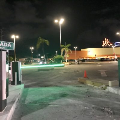 'TIMBRA LA CAJA' COMO QUERÍA MARA: Con nuevo gobierno morenista, empiezan a cobrar estacionamiento en Plaza Península y en el Chedraui de la Kabah en Cancún
