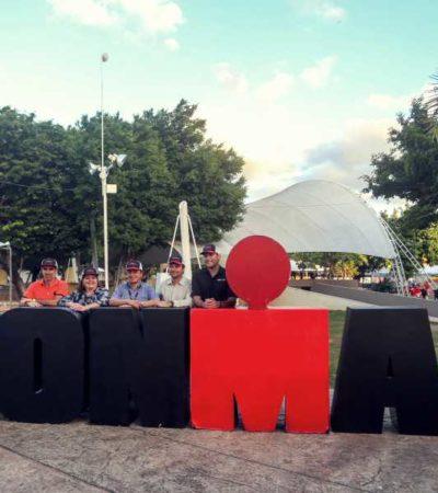 Develan placa alusiva al décimo aniversario del Ironman en Cozumel