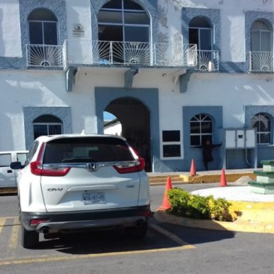 Ignoran alcaldesas tabasqueñas austeridad que pregona Morena y viajan en camionetas de lujo