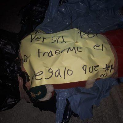 """MURIÓ """"POR NO TRAERME EL REGALO QUE QUERÍA"""": Confunden muñeco disfrazado de 'Santa Claus' con ejecutado en Playa del Carmen"""