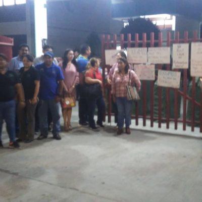 Maestros del Cecyte 2 en Cancún se unen al paro en reclamo de aumento salarial prometido
