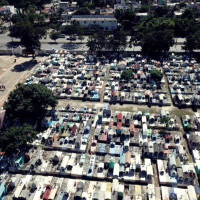ESPECIAL | RECUERDAN CANCUNENSES A SUS MUERTOS: Cientos visitan el panteón de Los Olivos al celebrarse el Día de los 'Fieles Difuntos'