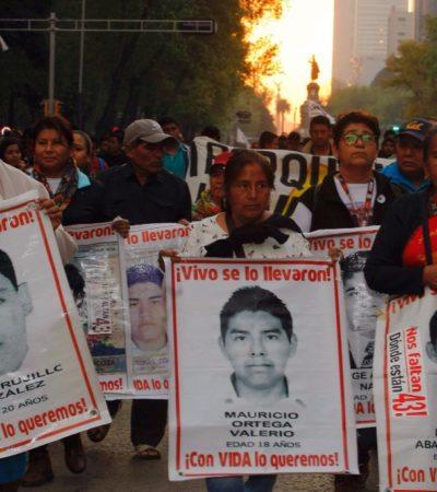 Recibirá AMLO a padres de los 43 el lunes en Palacio Nacional, según abogado de las víctimas