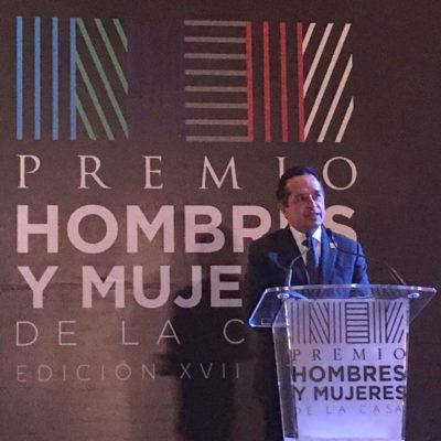 Dan premio al Gobernador por impulso al crecimiento ordenado y desarrollo de vivienda en Quintana Roo