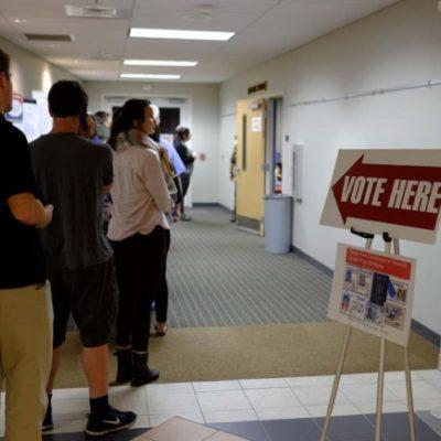 Van estadounidenses a las urnas para despejar dudas sobre aceptación de Trump