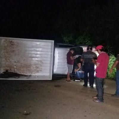 Vuelca camión rumbo a Tihosuco; hay cinco heridos