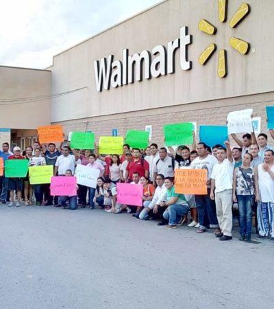 Protesta de trabajadores en Walmart de Playa del Carmen para exigir mejores condiciones laborales