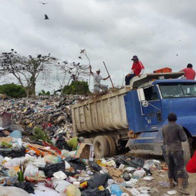 AMAGAN CON BLOQUEAR ACCESO AL BASURERO: Desbordamiento del relleno sanitario de Chetumal comienza a afectar parcelas de ejidatarios de Calderitas