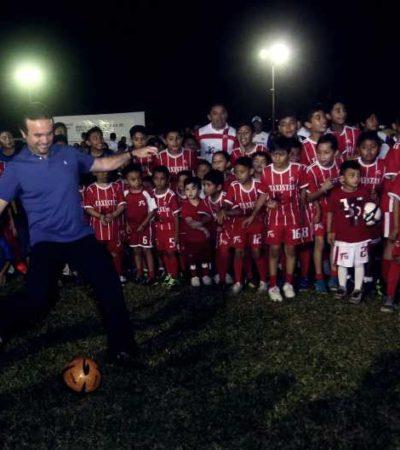 Inaugura Alcalde Torneo de Ligas de Futbol en Cozumel, donde participan más de dos mil deportistas pertenecientes a 103 clubes
