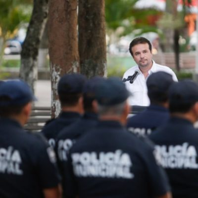 Para incrementar la seguridad en Cozumel, Pedro Joaquín pone en marcha el programa 'Policía en tu colonia'