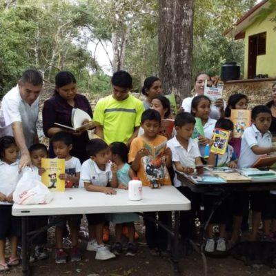 Con dotación de libros, impulsa el gobierno de Puerto Morelos la educación de calidad