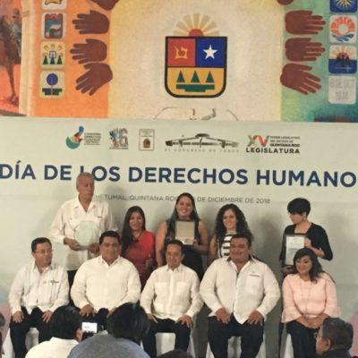 Fundación Aitana recibe la medalla de plata del premio estatal de Derechos Humanos de QR