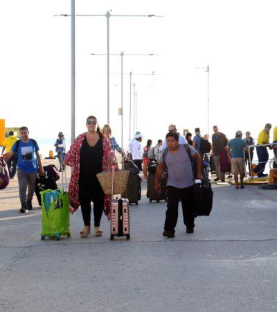 Disfrutan miles de visitantes vacaciones navideñas en Isla Mujeres