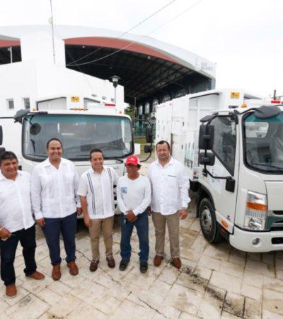 Entregan camiones recolectores y patrullas en Isla Mujeres