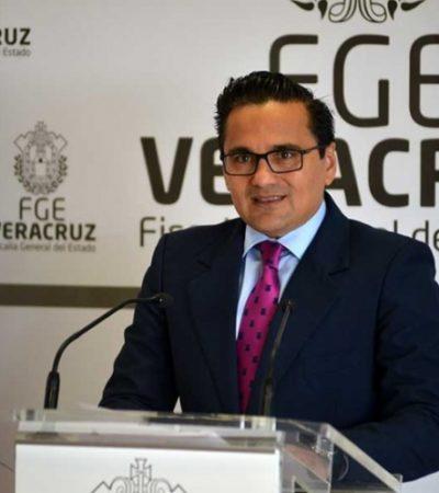 Logra amparo fiscal 'yunista' de Veracruz para mantenerse en el cargo