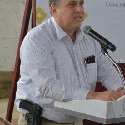 Presume titular de Seguridad de Veracruz un doctorado 'fantasma'; asiste armado a evento