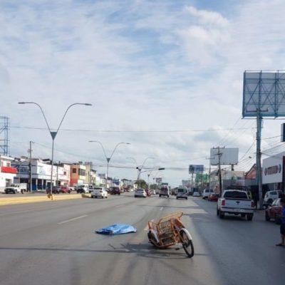 Triciclero muere atropellado por camioneta gubernamental en Cancún