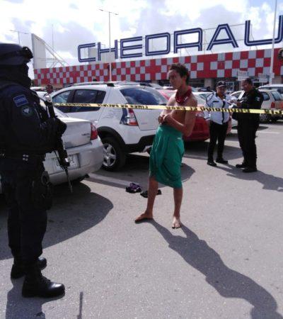 BALAZOS EN LA MULTIPLAZA LAKÍN: Intentan ejecutar a un hombre en Cancún; la víctima, herida, se retiró del lugar