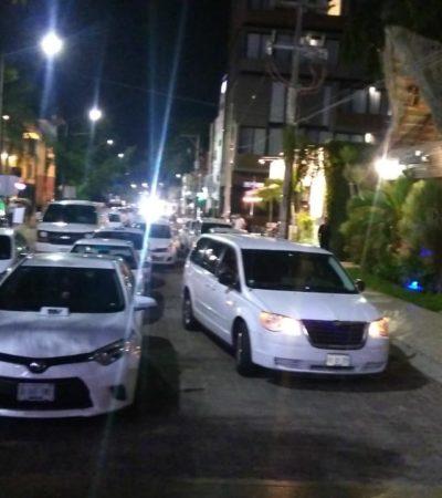 Bloquean taxistas calles de Playa del Carmen por la supuesta detención de dos operadores por el Ejército