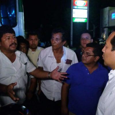 ESTALLA PROTESTA DE OPERADORES DEL TRANSPORTE URBANO: Bloquean con camiones de Tucsa cruces de Playa del Carmen