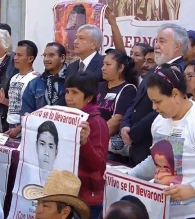 Firma AMLO decreto para crear Comisión de la Verdad para el caso de los 43 normalistas