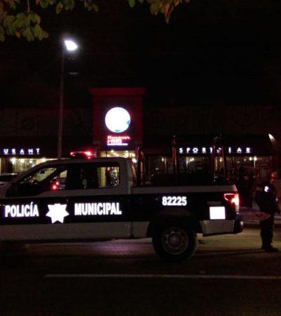 EJECUCIÓN A LAS PUERTAS DEL 'BOSTON'S': Un muerto y un herido, en ataque a lujosa camioneta en Playa del Carmen