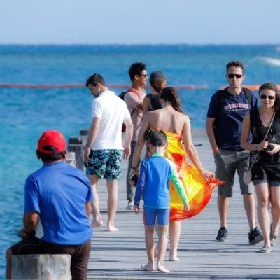 Da Puerto Morelos bienvenida a turistas nacionales y extranjeros